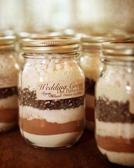HOME MADE HOT COCOA GIFTS FOR GUESTS AT A FALL WEDDING!! I LOVE IT