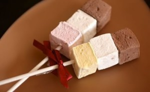 my big small wedding: yummy ideas for your dessert bar!