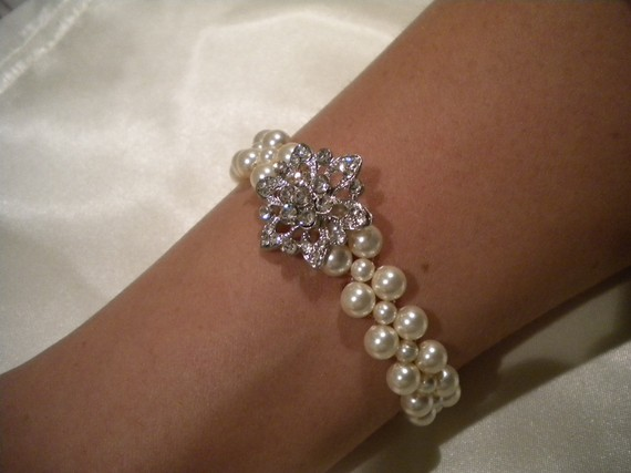 Bridal Pearl bracelet, vintage style bracelet, bridesmaid bracelet