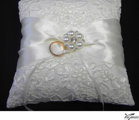 Rind Bearer Pillow, Wedding Ring Pillow, Bridal Pillow, Lace Ring Pillow, Ring bearer