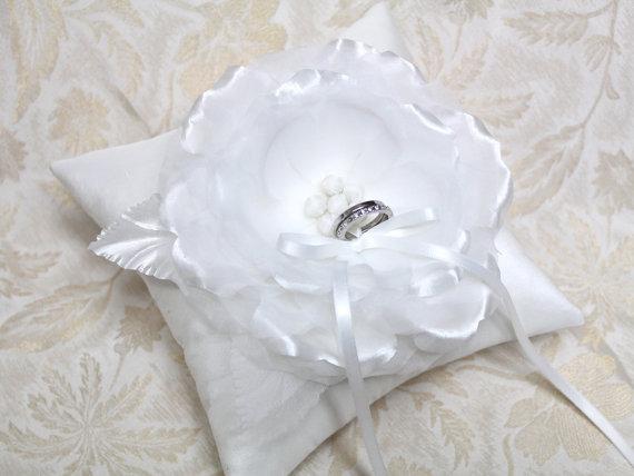 Wedding ring pillow – white ring pillow, wedding ring bearer pillow, satin ring pillow