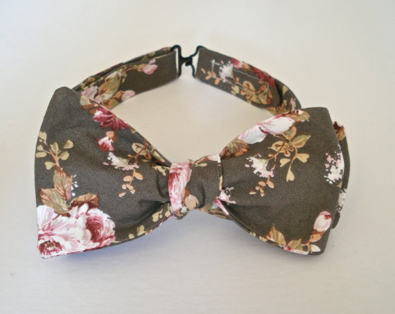 THE ENGLISH COUNTRYSIDE // men's floral gray & pink bow tie