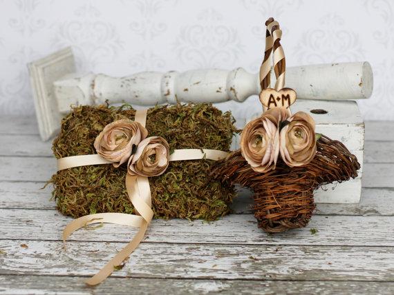 Wedding Ring Pillow Moss Ring