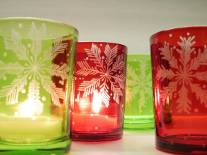 'Snowflake' Red And Green Colored Glass Candle Holders Hand Engraved . Winter Wedding Favors Holiday Home Decor