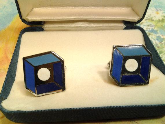 vintage costume jewelry cuff link clip enamel
