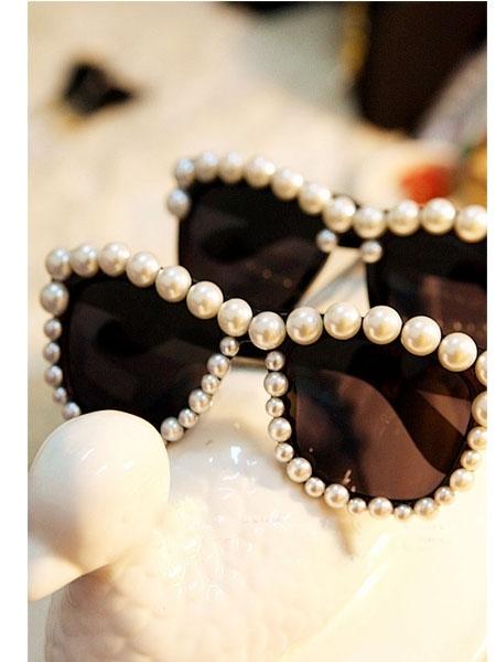 Pearl frame sunglasses