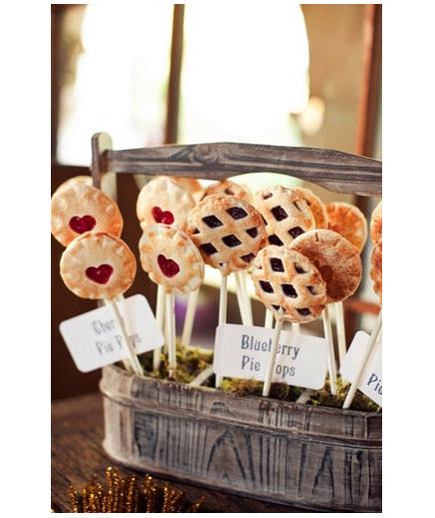 Pie Pops Cake pops may be a favorite, but their not-so-distant cousin—pie pops—are a little less expected and just as delicious.