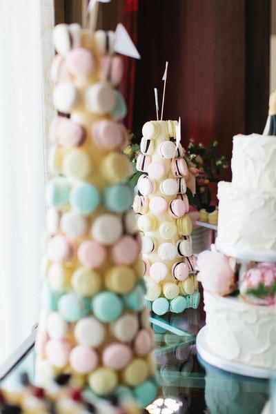 Desert round Wedding Cake