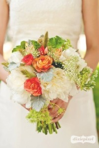 Pretty White Red Wedding bouquet