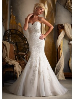 Trumpet/Mermaid Strapless Sweetheart Lace Wedding Dress